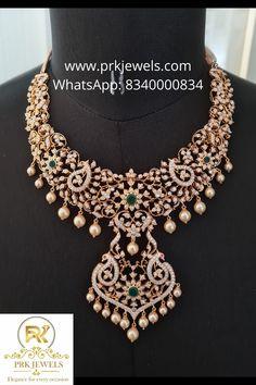 New Gold Jewellery Designs, Gold Bangles Design, Diamond Jewellery, Gold Wedding Jewelry, Bridal Jewelry, Gold Jewelry, Polki Sets, Lockets, Diamond Pendant