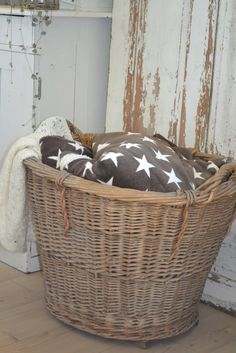 stars in the laundry basket
