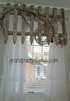 Picket Fence Valance #DIY #headboard #bedroom www.grandparentsplus.com