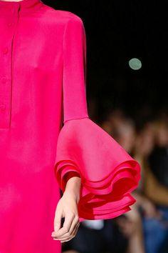 Gucci Spring/Summer 2013 RTW on the runway at Milan Fashion Week. Fashion Details, Love Fashion, High Fashion, Fashion Show, Fashion Design, Fashion Gallery, Fashion Week, Runway Fashion, Fashion Models