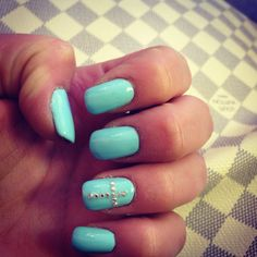 Nails blue strass