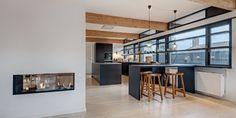 """U-series køkken i """"Black Oak"""" fuldender dette fantastiske rum"""