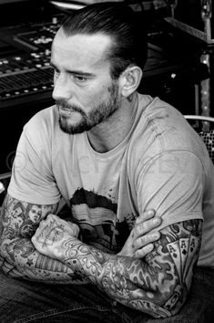 Sexy Ass MAN, the MAN of my DREAMs! NO LIE!!!! ;) CM PUNK!