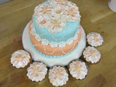 Cake and matching cupcakes