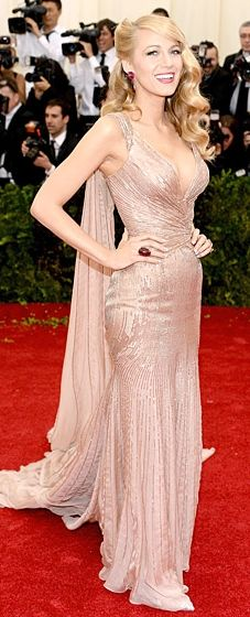 Blake Lively: Met Gala 2014. Very Jessica Rabbit but boring as hell.