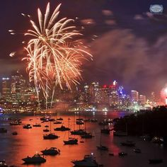 #Sydney brings in 2014 and how! If you were one of the lucky ones to witness the spectacular fireworks show on the Sydney Harbour, be sure to send us pictures!