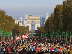 Les coureurs sont dans les starting-blocks : Dimanche 12 avril 2015 aura lieu l'épreuve mythique du Marathon de Paris ! Serez-vous là pour les encourager ? // One of the biggest marathons in the world will start next Sunday in Paris! #MarathondeParis #ParisTourisme #RVenFrance