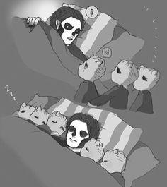 Omg little ghouls!!