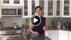We are thrilled with Ellie Krieger's Facebook Live presentation of an olive oil pie crust. Ellie's pie crust can be used for savory pies such as tomato pie or quiche or can be sweetened to be used for desserts such as pumpkin pie.