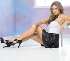 CARMEL - Ropa por catálogo para mujeres y teens Stockings Legs, Adults Only, Sexy, Mini Skirts, Fashion, Latest Fashion, Woman Clothing, Trends, Beauty