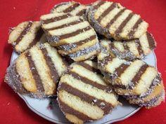 Albert kekszes sütemény * Receptek | Finom ízek egyszerűen, olcsón Izu, Pancakes, French Toast, Bacon, Breakfast, Food, Morning Coffee, Essen, Pancake