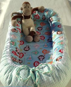 Babynest with monkey and points