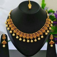 1 Gram Gold Temple Necklace Set with Earrings India Jewelry, Jewelry Art, Antique Jewelry, Gold Jewelry, Jewelery, Jewelry Accessories, Gold Necklaces, Fancy Jewellery, Latest Jewellery