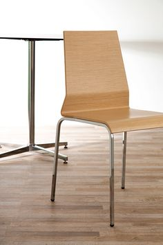 Graph - Wooden chair - Contract design by Vela Arredamenti. #design #interior #style #italian