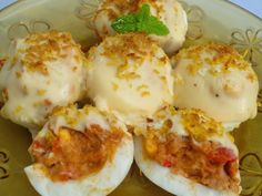 Huevos rellenos gratinados Ana Sevilla My Favorite Food, Favorite Recipes, Spanish Tapas, Latin Food, Cook At Home, Recipe For 4, Breakfast Time, Cooking Time, Mexican Food Recipes