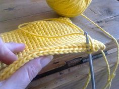 Crochet Potholders, Crochet Squares, Learn To Crochet, Diy Crochet, Different Crochet Stitches, Knitting Patterns, Crochet Patterns, Knitted Hats, Crochet Hats