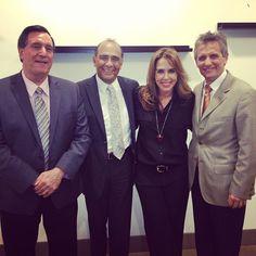 Felicitando al nuevo administrador de la ciudad de Doral. @LuigiBoria recientemente elegido alcalde de la ciudad de Doral, Florida. Congratulations. visite desde su movil. tablet o laptop/pc http://unavisiondeciudad.tel