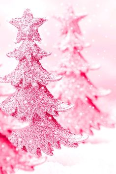 Top 40 Beautiful Pink Christmas TreesWhen Christmas starts knocking the door, we start to look for the best trees to put up in the house. But it's the decoration that ultimately makes a show-stopping Christmas tree. A green Christmas tree is very common a Pink Christmas Tree, Whimsical Christmas, Shabby Chic Christmas, Noel Christmas, Christmas Colors, All Things Christmas, Christmas Decorations, Holiday Decorating, Pink Love