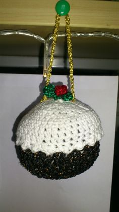 Made a Christmas pudding the other year! Arguably better than the real thing. Christmas Pudding, Christmas Ornaments, Holiday Decor, Crochet, How To Make, Inspiration, Biblical Inspiration, Christmas Jewelry, Crochet Crop Top