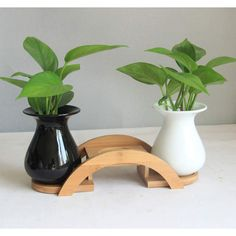 Cheap Vases, Buy Directly from China Suppliers:Cute Panda Cup Lidded Cartoon Black and white cup Ceramic coffee Mug with lid coffee spoonUSD homBrie solid black and white Ceramic small vase Exquisite vase home decorations Wooden Plant Stands, Diy Plant Stand, House Plants Decor, Plant Decor, Flower Vases, Flower Pots, Cheap Vases, White Cups, 3d Prints