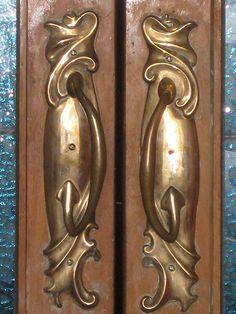 Art Nouveau Door Handles of Reid's Coffee Palace – Lydiard Street, Ballarat Brass Door Handles, Knobs And Handles, Art Nouveau, Door Knobs And Knockers, Victorian Furniture, Architecture, Metallica, Painting, Things To Sell