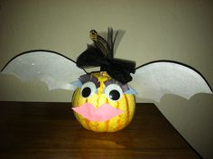 Time for fall! Made this fun bat-pumpkin! Had to make my own with some lips & eyelashes!