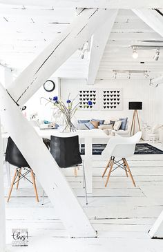 White walls: stressful or energizing White Rooms, White Walls, Interior Architecture, Interior Exterior, Interior Styling, Interior Design, Interior Ideas, White Houses, Scandinavian Interior