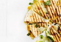 Quesadillas mit Lachs und Avocado-Limetten-Salsa