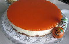 Appelsiini-porkkanajuustokakku Halloweeniksi