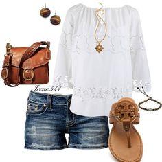 """Crushing on the tunic and shorts look! #tunic #shorts #casualwear #fashion…"