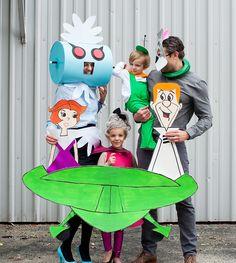 The Jetsons Costume Halloween Skeleton Decorations, Halloween Inspo, Halloween Skeletons, Spooky Halloween, Happy Halloween, Group Halloween Costumes, Family Costumes, Family Halloween, The Jetsons
