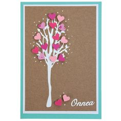 Ääriviivatarrapuu on koristeltu kuviolävistimellä leikatuilla pikkusydämillä. Tarvikkeet ja ideat Sinellistä!