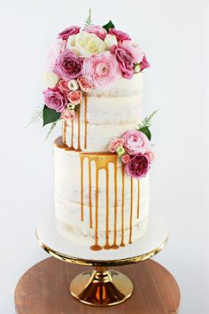 Best Wedding Cakes With Cupcakes 2 Layer 21 Ideas - Page 2 of 31 - Wedding Dream - Vanesha O Jioda Wedding Cakes With Cupcakes, Unique Wedding Cakes, Beautiful Wedding Cakes, Wedding Cake Designs, Wedding Cake Toppers, Beautiful Cakes, Cupcake Cakes, 2 Tier Birthday Cakes, Fresh Flower Cake