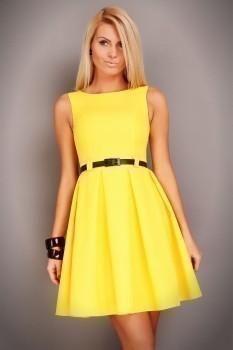 Красивое короткое и жёлтое платье