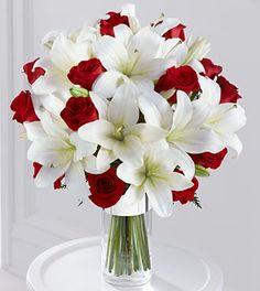 Ramos y tulipanes blancos