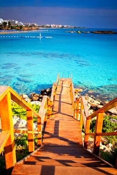 Foncez droit dans la mer ! I #Chypre I