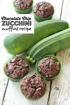 chocolate chip zucchini muffins recipe! Easy breakfast recipe!