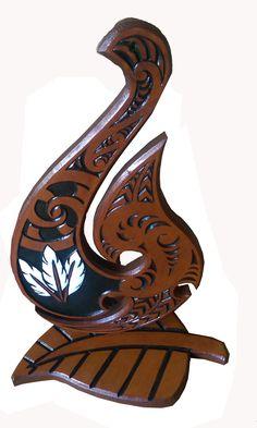 Maori Patterns, New Zealand Art, Maori Art, Bone Carving, Key Design, 21st Birthday, Antique Furniture, Wood Art, Keys
