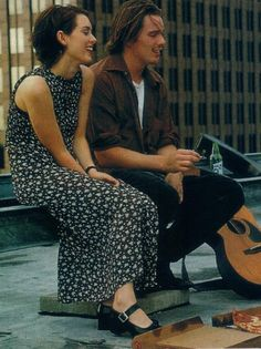 "Winona Ryder and Ethan Hawke in ""Reality Bites"" 90s Movies, Great Movies, Watch Movies, Winona Ryder Style, Winona Ryder 90s, Winona Forever, Reality Bites, Moda Vintage, Cultura Pop"