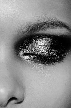 Metallic Makeup - editorial make up inspiration