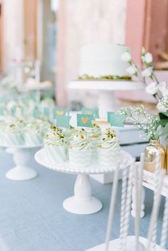 Sweet Table mit Mint und Gold (Foto: Le Hai Linh)