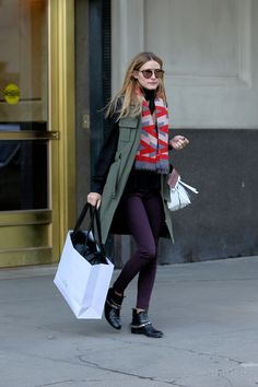 Olivia Palermo loves IvA!!! Wearing our cashmere scarf Bauhaus while shopping in NYC.