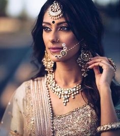 New indian bridal nose ring bollywood Ideas Indian Bridal Makeup, Indian Wedding Jewelry, Indian Bridal Wear, Pakistani Bridal, Indian Jewelry, Bridal Jewellery, Indian Bride Hair, Lehanga Bridal, Tikka Jewelry