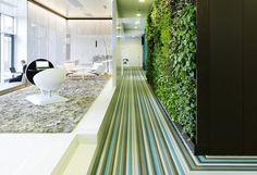 office-room-design-futuristic-workspace-of-microsofts-new-headquarters-in-wallisellen-austria-designed-by-innocad-architektur-microsoft-austria-headquarters-hallway-design_f1026.jpg 1000×685 pikseliä
