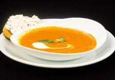 Tort răcoros cu cremă de iaurt și fructe - Rețete Merișor Thai Red Curry, Ethnic Recipes, Food, Meals, Yemek, Eten