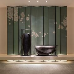 The East Hotel in HangZhou ,design by Andy Zon . Chinese Interior, Japanese Interior, Hangzhou, Hotel Decor, Hotel Spa, Screen Design, Wall Design, Chinoiserie, Ikebana