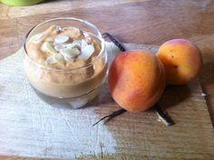 Mousse abricots-amandes aux grains de vanille