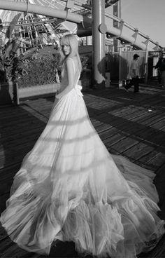 Inbal Dror свадебные платья с длинной юбкой из мягкой вуали | смотреть фото цены купить