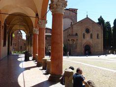 Immagine di http://cdn3.vtourist.com/19/7362953-Santo_Stefano_Approach_and_Overview_Bologna.jpg?version=2.