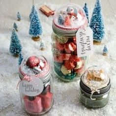 Snow globe mason jar lids best crafts for spring подарок, рождество, новый Snow Globe Mason Jar, Diy Snow Globe, Christmas Mason Jars, Noel Christmas, Snow Globes, Christmas Crafts, Christmas Ideas, Christmas Placemats, Christmas Balls